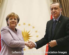どん底のドイツ・トルコ関係 難...